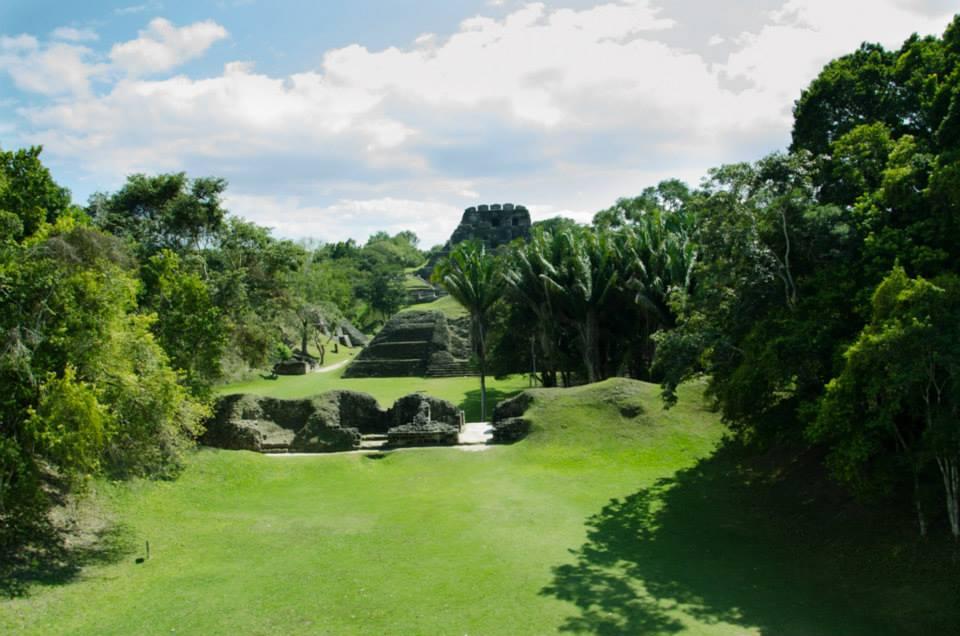 Ruiny Xunantinech Belize