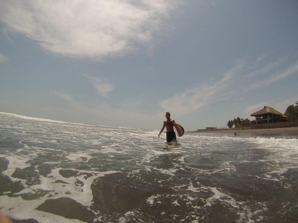 Surfování Salvádor El Tunco