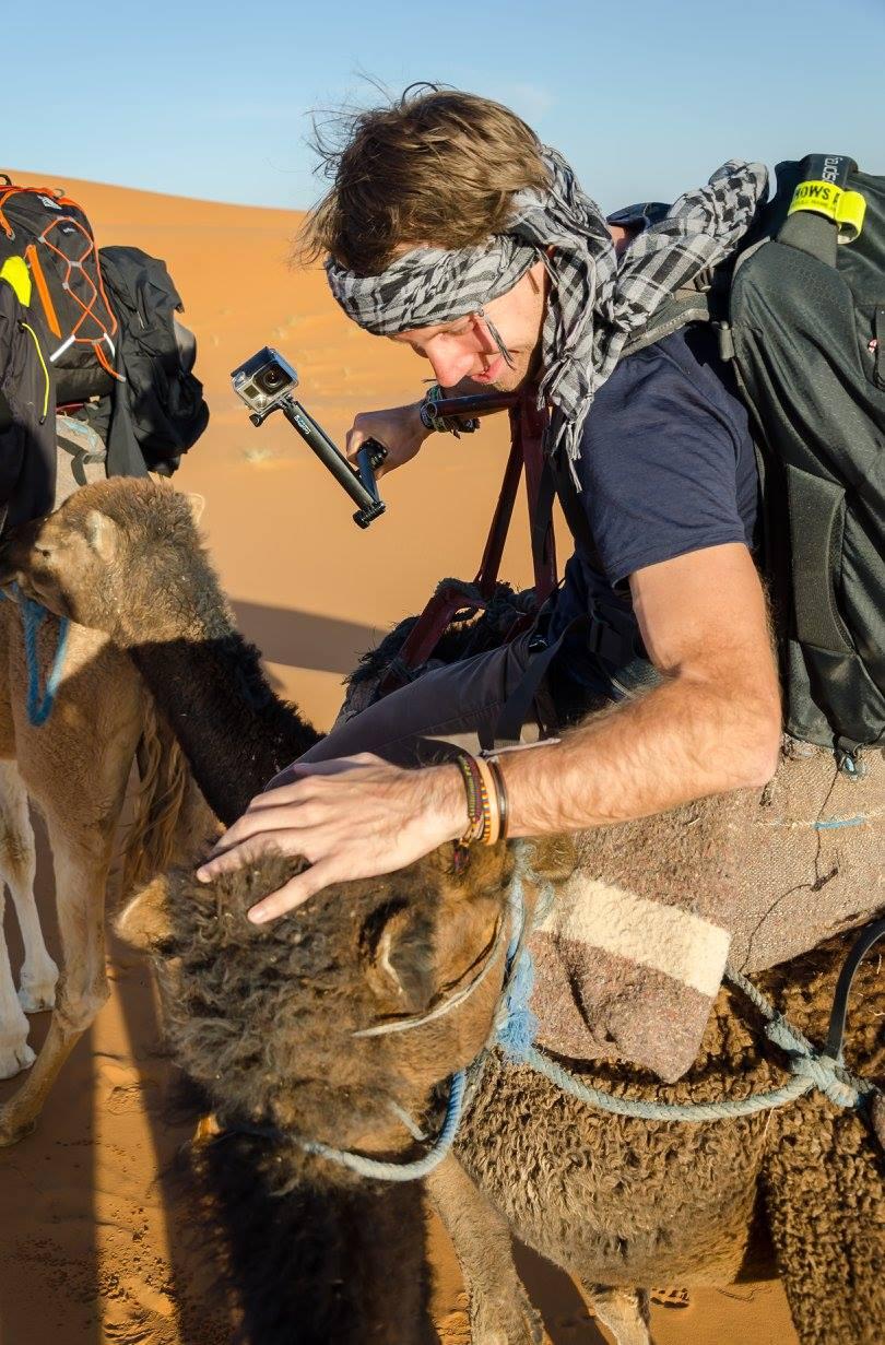 Jízda na velbloudovi v Maroku