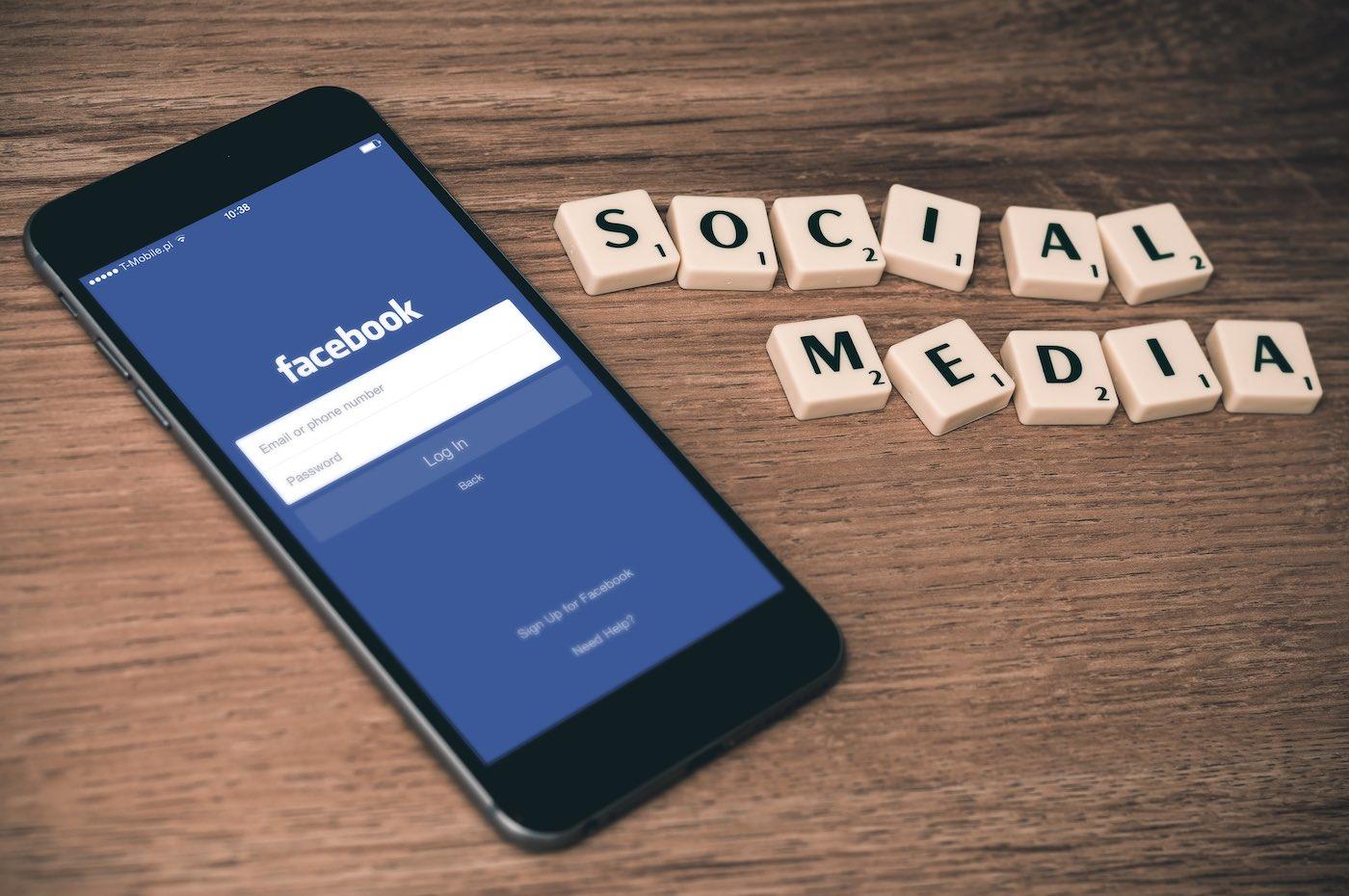 práce marketing na sociálních sítích