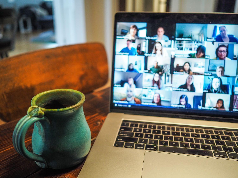 konzultace a školení a webináře
